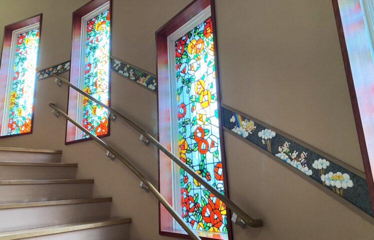 階段周りのアートワーク